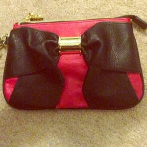 Betsey Johnson Clutches & Wallets - 🎉Editor Pick🎉 Betsey Johnson Bow-Nanza Wristlet