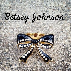 Betsey Johnson Jewelry - ‼️SALE‼️New Betsey Johnson Crystal Bow Ring! 🎀 1