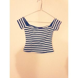 Tops - B&w striped crop top