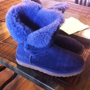 bailey Button short UGG boots