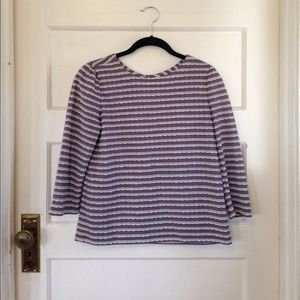 Frenchi  Tops - Lavender top with cute details!