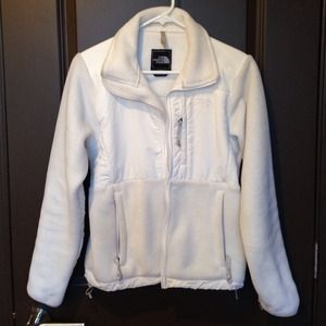 North Face Jackets & Blazers - Like new white North Face fleece