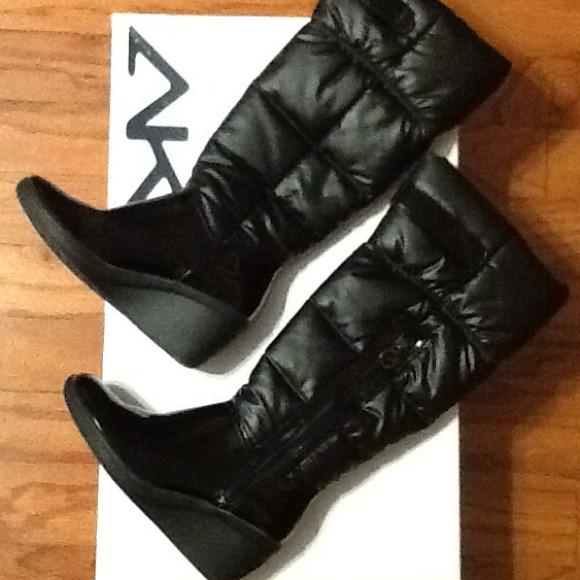 Warm, cozy Anne Klein Snow Boots