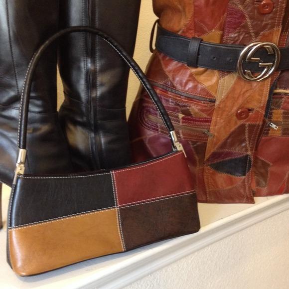 6723b977775 Handbags - Color block purse