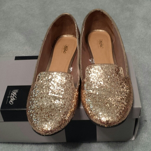 Shoes - Mossimo gold glitter ballet flats 8.5