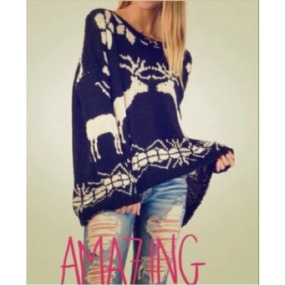 FLASH SALE REINDEER SWEATER GRAY or BLK S/M M/L✨