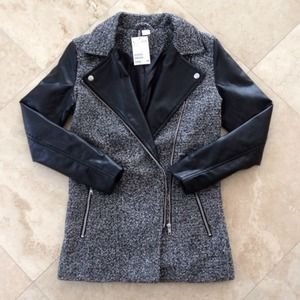 ✋HOLD 4 @shoppinaddict34✋ H&M biker-style jacket