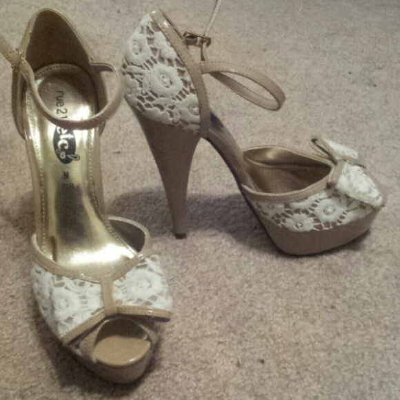047bdec44808  SOLD on VINTED  Nude   White Lace Pumps with Bow