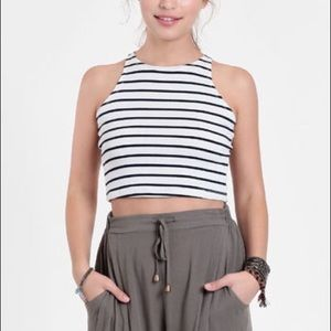 Tops - Cropped Top