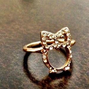 Knuckle owl ring.