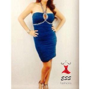 Dresses & Skirts - NWT Stunning bodycon dress!