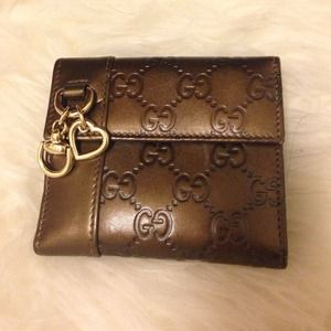  Authentic Gucci leather wallet