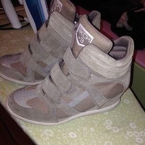 sketchers  Shoes - Sketchers wedged sneakers