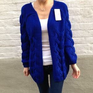Sweaters - Electric blue cross knitted sweater