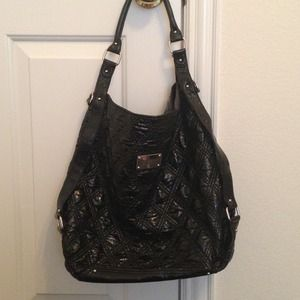 Black Kenneth Cole handbag