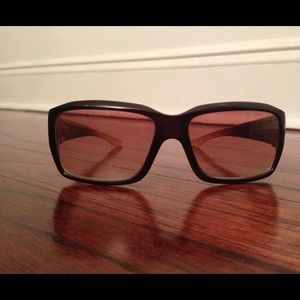 American Eagle Outfitters Accessories - American Eagle rectangular frame brown sunglasses