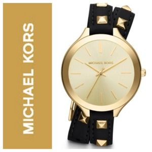 Michael Kors Accessories - 🎉HP🎉 Michael Kors Runway 2317 Wraparound Watch