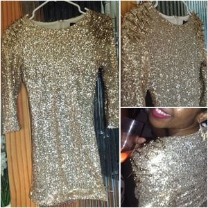 Dresses - Make OFFER❗️Gold spike shoulder dress sequin dress