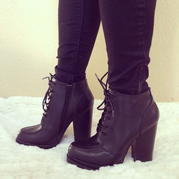 Boots - New Black Lace Up Chunky Heel Booties