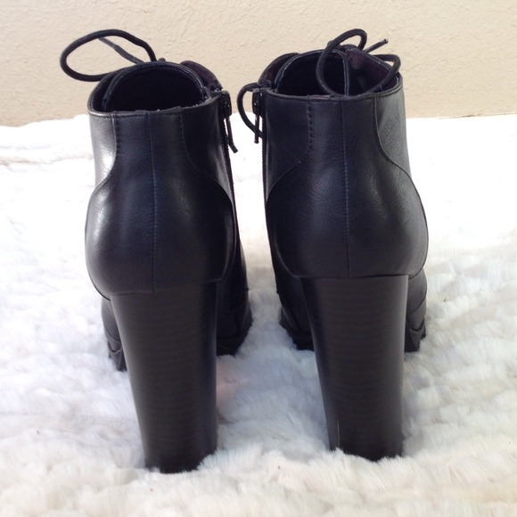 Boots - New Black Lace Up Chunky Heel Booties 3