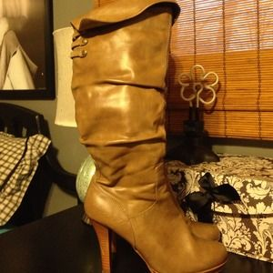 Rampage Boots, Size 7
