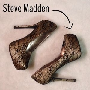 🎉Host Pick🎉Like New Steve Madden Lace Pumps!