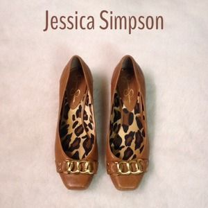 Like New Jessica Simpson Gold Buckle Short Wedges!
