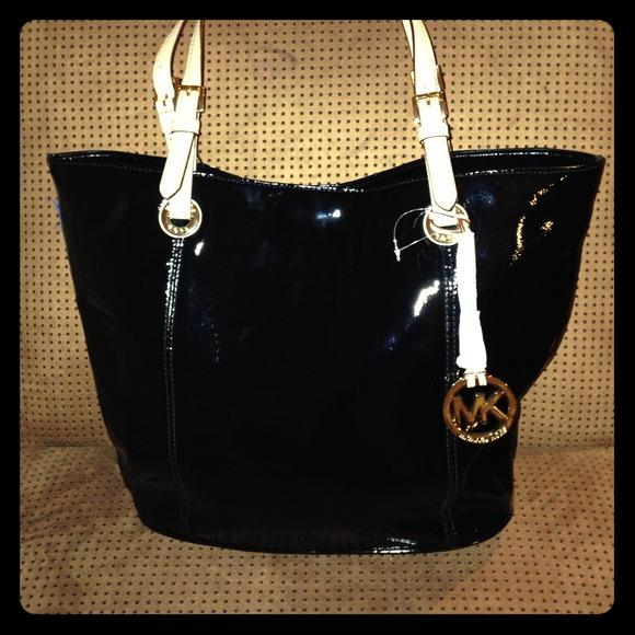 94f262767363d3 Michael Kors Bags | Black Shiny Leather Tote Bag | Poshmark