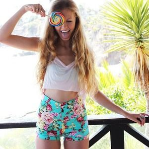HOLDBrandy Melville Floral Shorts