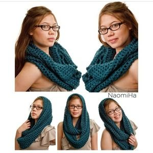 NaomiHa Accessories - 🌟limited price🌟Oversize hooded infinity scarf