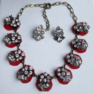 Dazzling pebbles stones crystals necklace earrings