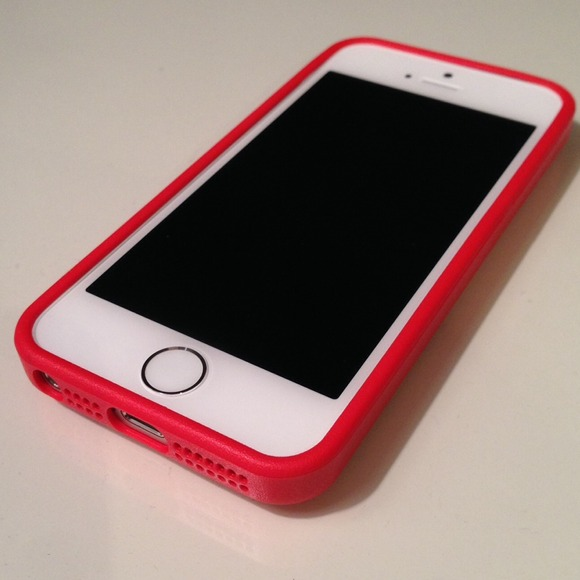 purchase cheap 86609 41908 Apple iPhone 5/5s Leather Alternate 5/5s Case RED NWT