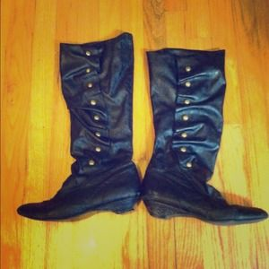 Boots - Black leather upper boots with gold buttons 🌞