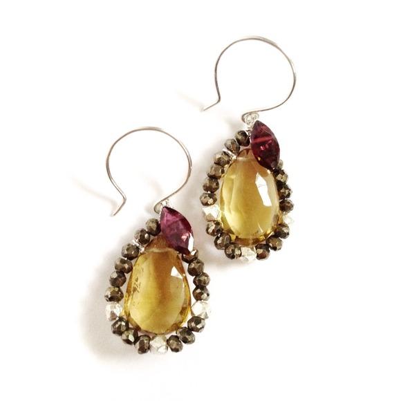 SALE - ✨HP✨ Amber Teardrop earrings