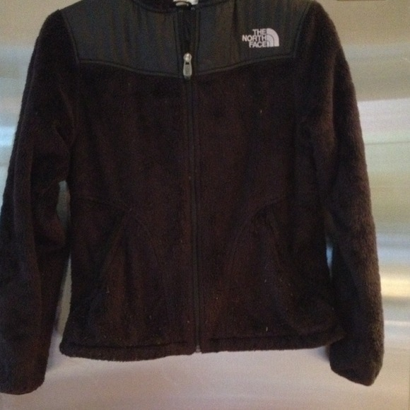 31e5d8136 SOLD Black Fuzzy North Face Jacket
