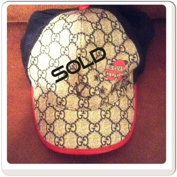 gucci gucci baseball cap authentic from quiana 39 s closet. Black Bedroom Furniture Sets. Home Design Ideas