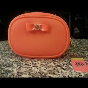 Tory Burch Accessories - USED TORY COSMETIC CASE 👸SOLD👸