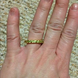 Jewelry - Green stone infinity ring