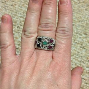 Jewelry - Multi gem ring