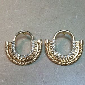 Jewelry - Crystal and gold earrings