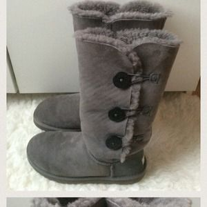 Boots - Uggs reserved for @stillo
