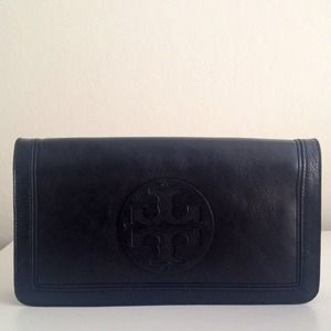 Tory Burch Clutch in Black