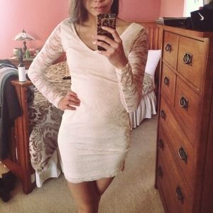 Forever 21 Dresses & Skirts - White Lace Body Con Mini Dress