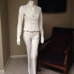 Other - Polyester suit ivory nwot