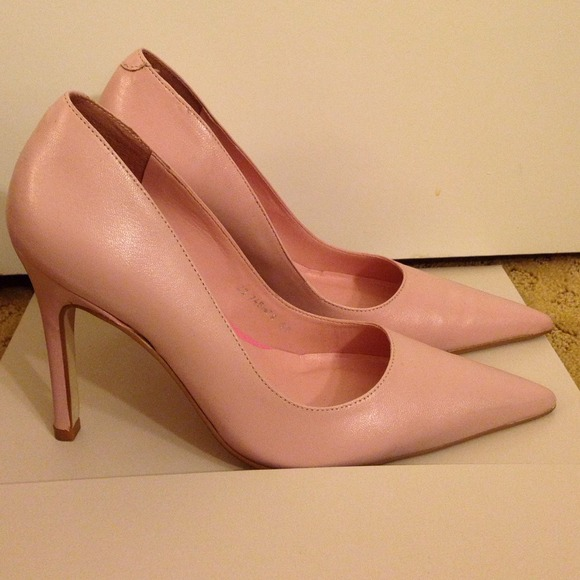 dd89ea15372 Cathy Jean light nude/pink pointy pumps 5.5