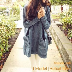 Sweaters - Blue long pockets sweater