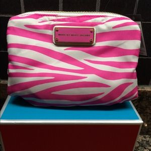 💕MARC JACOBS PINK ZEBRA COSMETIC BAG💕