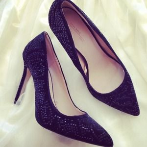 ZARA Subtle Rhinestone Black Pumps
