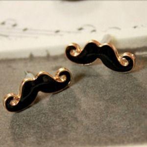 Jewelry - Cute mustache earrings