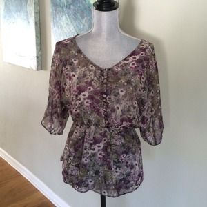 Tops - Floral chiffon top